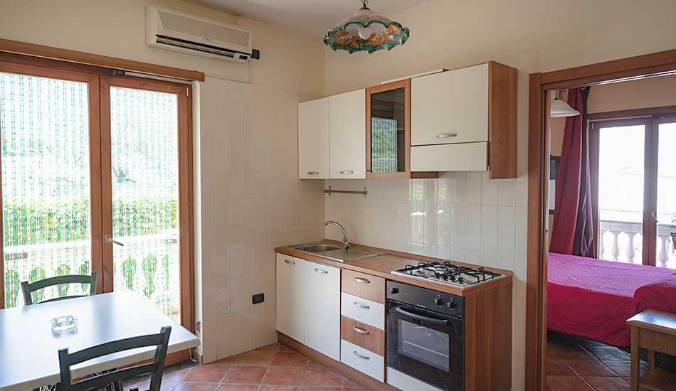 hotel-sottovento-mini-appartamento-cucina