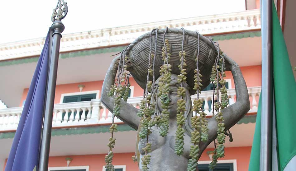 hotel-sottovento-statue
