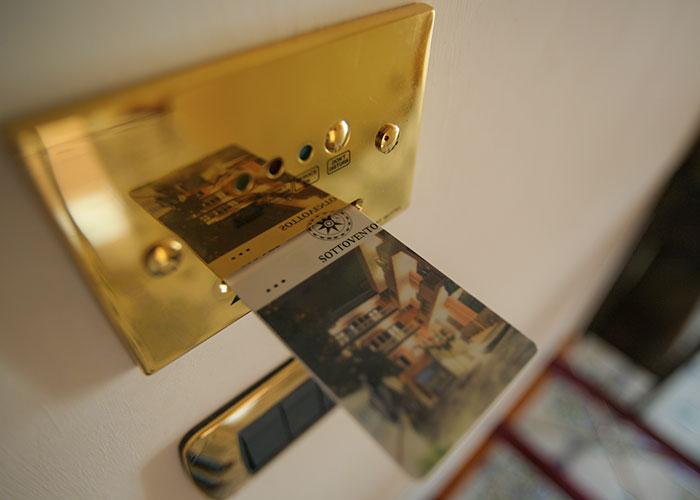 hotel-sottovento-suite-scheda-magnetica