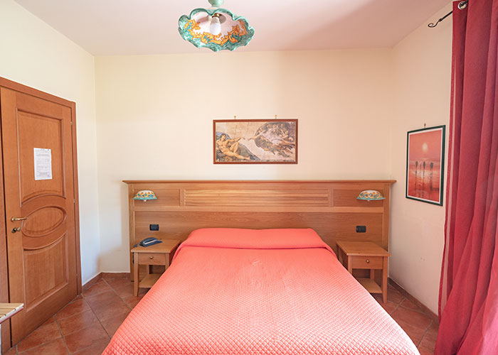 hotel-sottovento-camera-matrimoniale-uso-singola