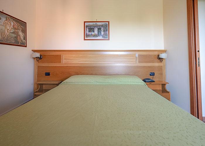 hotel-sottovento-camera-matrimoniale2-1